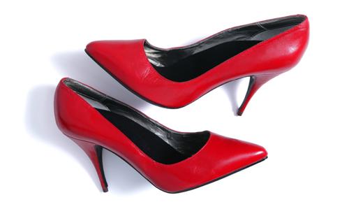 【やってはいけない風水】玄関編~たたきに靴を出しっぱなしにしている~