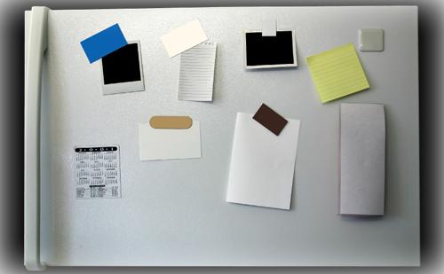 【やってはいけない風水】キッチン・ダイニング編~キッチンの冷蔵庫に写真や予定表を貼る~